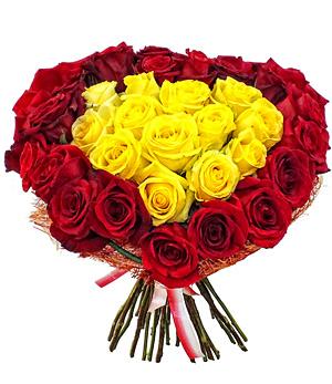 Желтые и красные розы в букеты