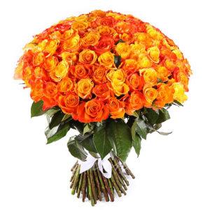 Оранжево-золотой букет роз на золотую свадьбу