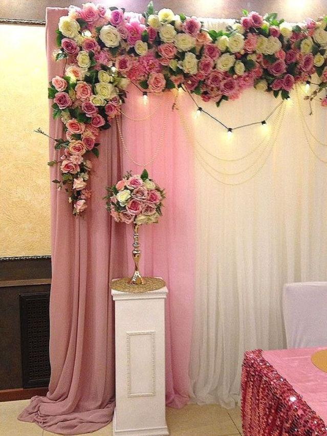 Украшение из роз на оловянную свадьбу