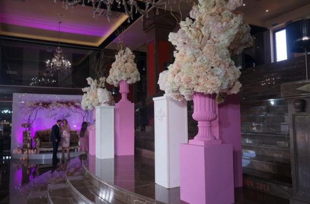Розовая свадьба. Напольные вазы